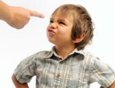 Niño con hiperactividad o TDAH