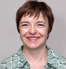 Dra. Victoria Cardona experta en alergia alimentaria