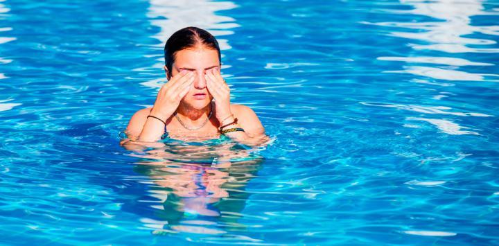 C mo nos afecta el cloro de las piscinas a la salud - Cloro en piscinas ...
