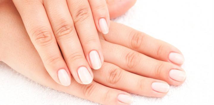 Las manchas en las uñas pueden indicar una afección