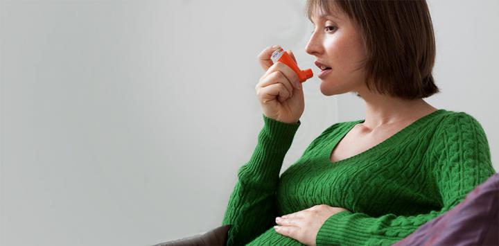 Embarazada usando broncodilatadores