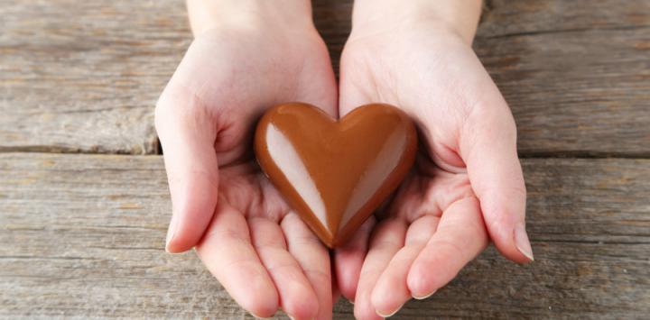 Bombón de chocolate con forma de corazón