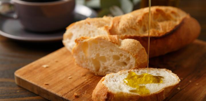 Desayunar aceite de oliva virgen protege las arterias