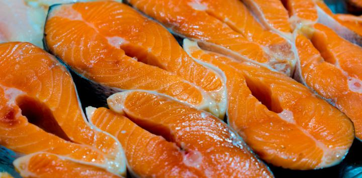 Salmón contiene omega 3 para los músculos