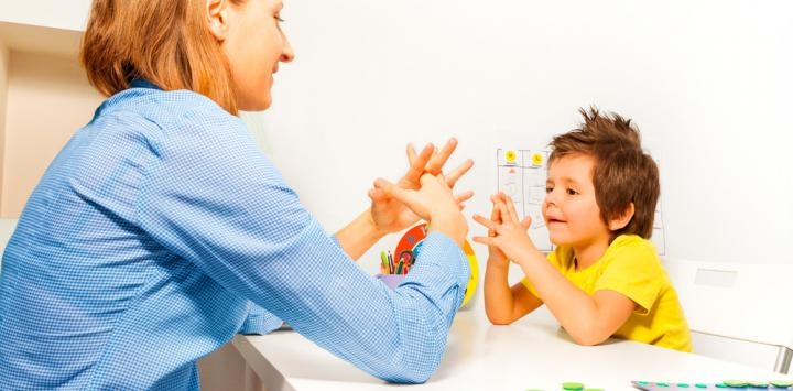 Los padres pueden ayudar a aliviar el autismo de sus hijos