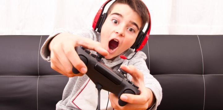 Abusar de los videojuegos aísla socialmente a los niños