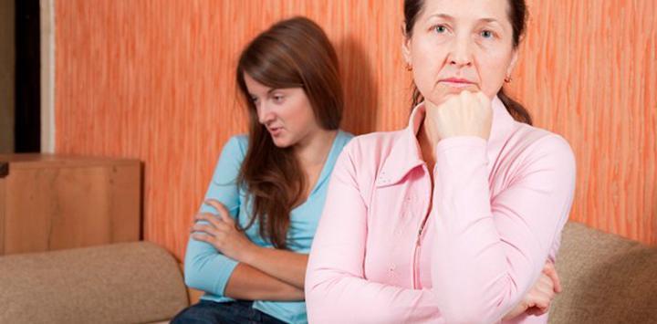 Seguir viviendo con los padres tras la adolescencia genera conflictos