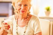 Asocian tomar lácteos bajos en grasa con mayor riesgo de párkinson