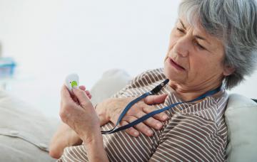 Mujer sufre ataque al corazón