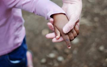 Adoptar en el extranjero: una larga e intensa travesía