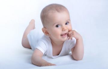 El gateo del bebé, vital para su desarrollo