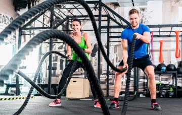 Entrenamiento con battle ropes