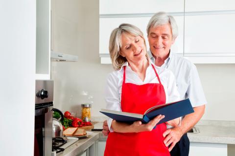 Consejos para aprender a cocinar a partir de los 60 for Cocinar a 60 grados