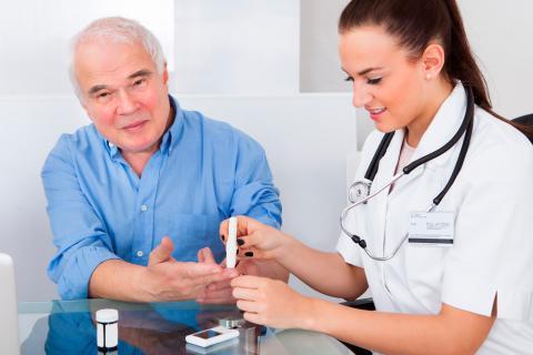 Recomendaciones generales para personas mayores con diabetes