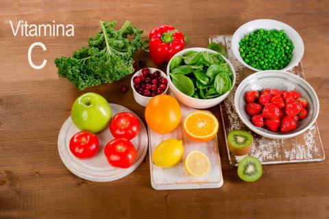 Vitamina c o cido asc rbico funciones y fuentes alimenticias - Que alimentos contienen vitamina c ...