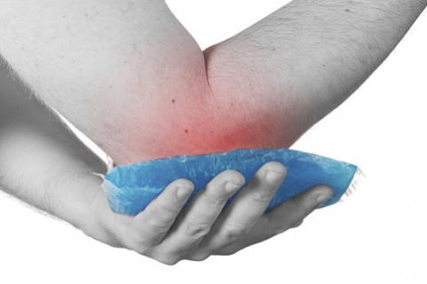 La crioterapia permite que los bailarines pongan frío en áreas de dolor y con esto lo disminuyan.