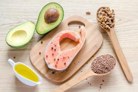 Diversos tipos de alimentos que contienen Omega 3