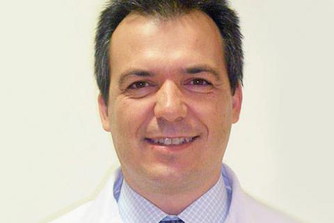 """Javier Domingo: """"La solución del embarazo tardío es la congelación de óvulos"""""""