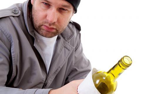 Hombre alcohólico con síndrome de Korsakoff