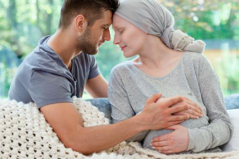 Embarazada con diagnóstico de cáncer