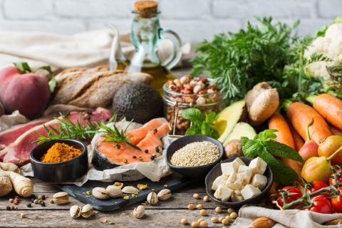 Dieta mediterr nea qu es caracter sticas alimentos y for Cocina mediterranea