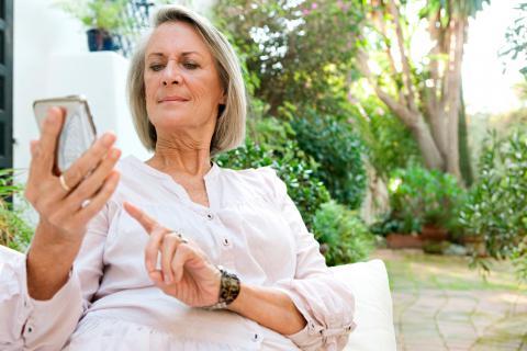 Resultado de imagen para ¿Cómo usar móviles en la tercera edad?