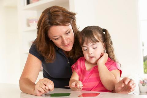 Una mujer y su hija con síndrome de Down