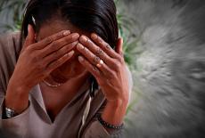 Mujer con fiebre de Oropouche