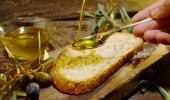 Aceite de oliva crudo con pan