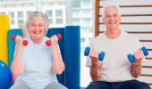 Entrenar con pesas reduce la pérdida de masa muscular en los mayores