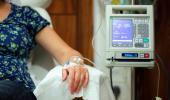 Mujer embarazada en tratamiento con quimioterapia