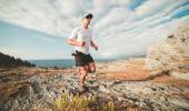 Corredor practicando trail running