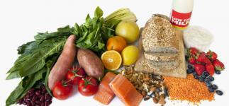 Alimentos y hábitos para aliviar el vientre hinchado