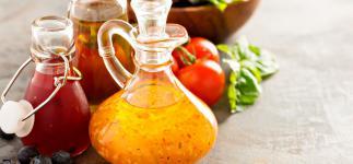 Aliños para ensaladas: opciones más ligeras y saludables