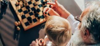 Juegos mentales para abuelos y nietos: ideas para ejercitar el cerebro