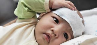 Cuidados adecuados para tratar al niño con fiebre