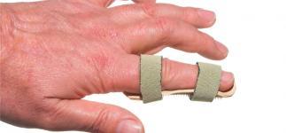 Primeros auxilios: qué debes hacer si te rompes un dedo