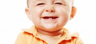 Cuándo le salen los dientes al bebé y cómo aliviar sus molestias