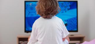 Claves para enseñar a tus hijos a ver la tele de forma racional