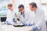 Científicos en el laboratorio