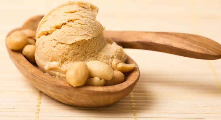 helado de crema de cacahuete casera