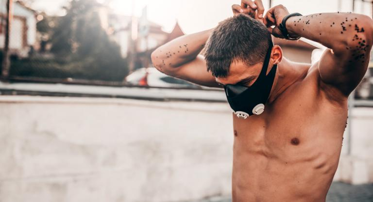 Beneficios y riesgos de entrenar con training mask