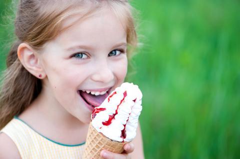 Personas con gastritis pueden comer helado