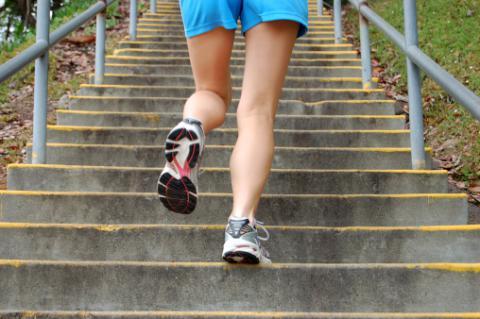 Prevención de las varices subiendo escaleras