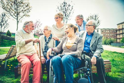 Resultado de imagen de ciudades amigables con las personas mayores