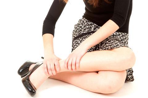 Dolor en la pierna derecha por la noche