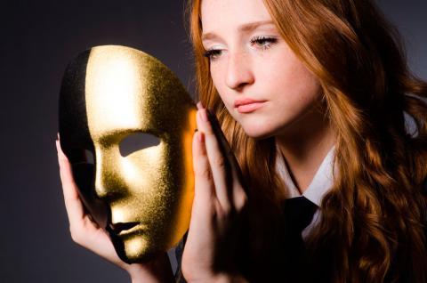Síndrome del impostor, qué es y síntomas: vivir atormentado por el éxito